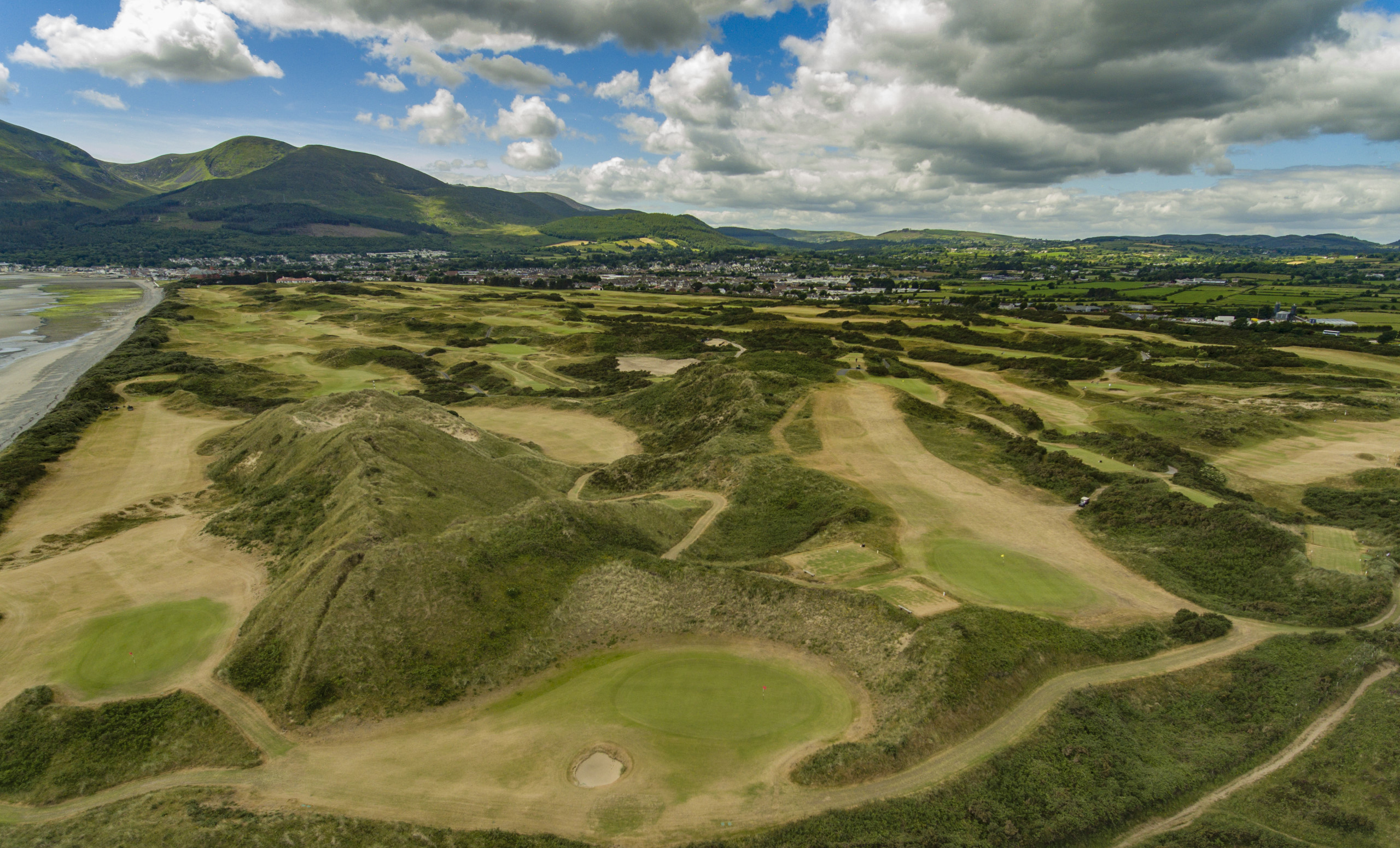 Annesley Links Mountains